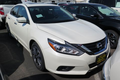New Nissan Altima 2.5 SV