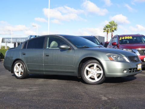 Pre-Owned 2006 Nissan Altima 3.5 SE FWD 4dr Car