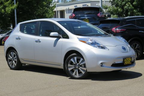 New 2017 Nissan LEAF SL