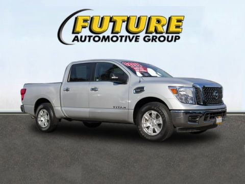 Certified Pre-Owned 2017 Nissan Titan  4x2 Truck Crew Cab