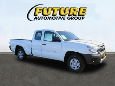 Pre-Owned 2015 Toyota Tacoma  Rear Wheel Drive Pickup Truck
