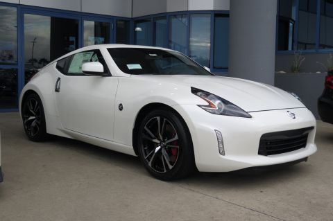 New 2018 Nissan 370Z Coupe Sport