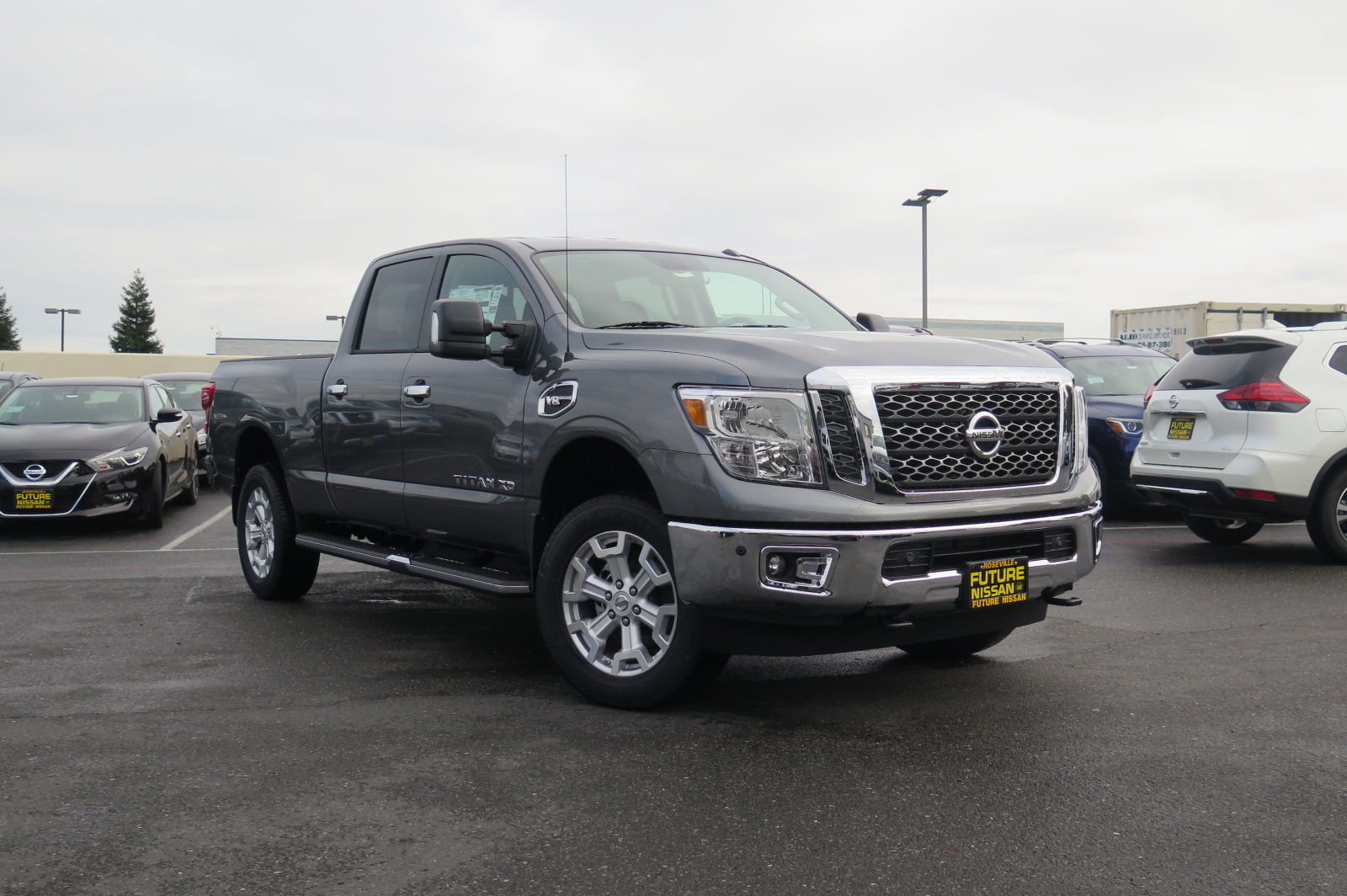 new 2017 nissan titan xd sv crew cab pickup in roseville. Black Bedroom Furniture Sets. Home Design Ideas