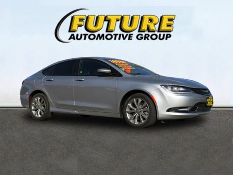 Pre-Owned 2015 Chrysler 200 S Front-wheel Drive Sedan